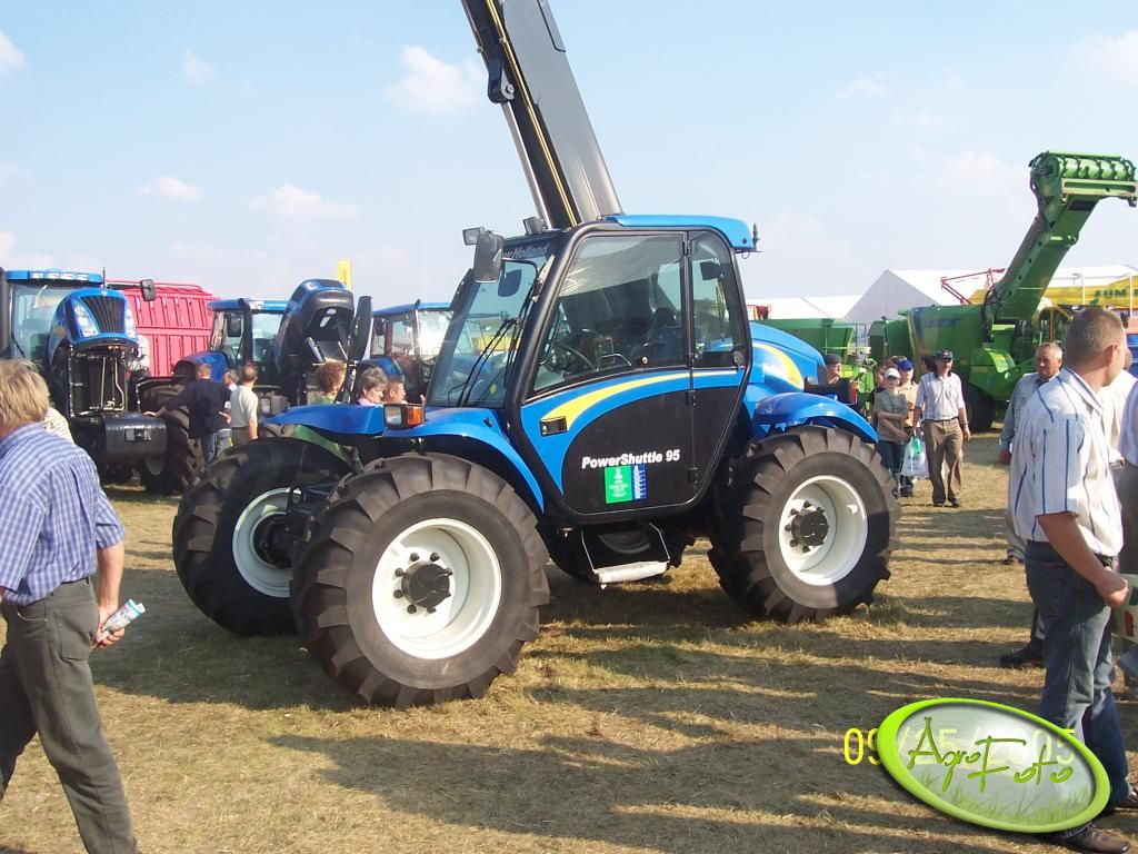 New Holland PowerShuttle 95