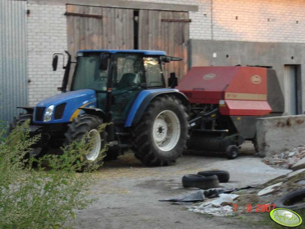 New Holland + prasa Vicon