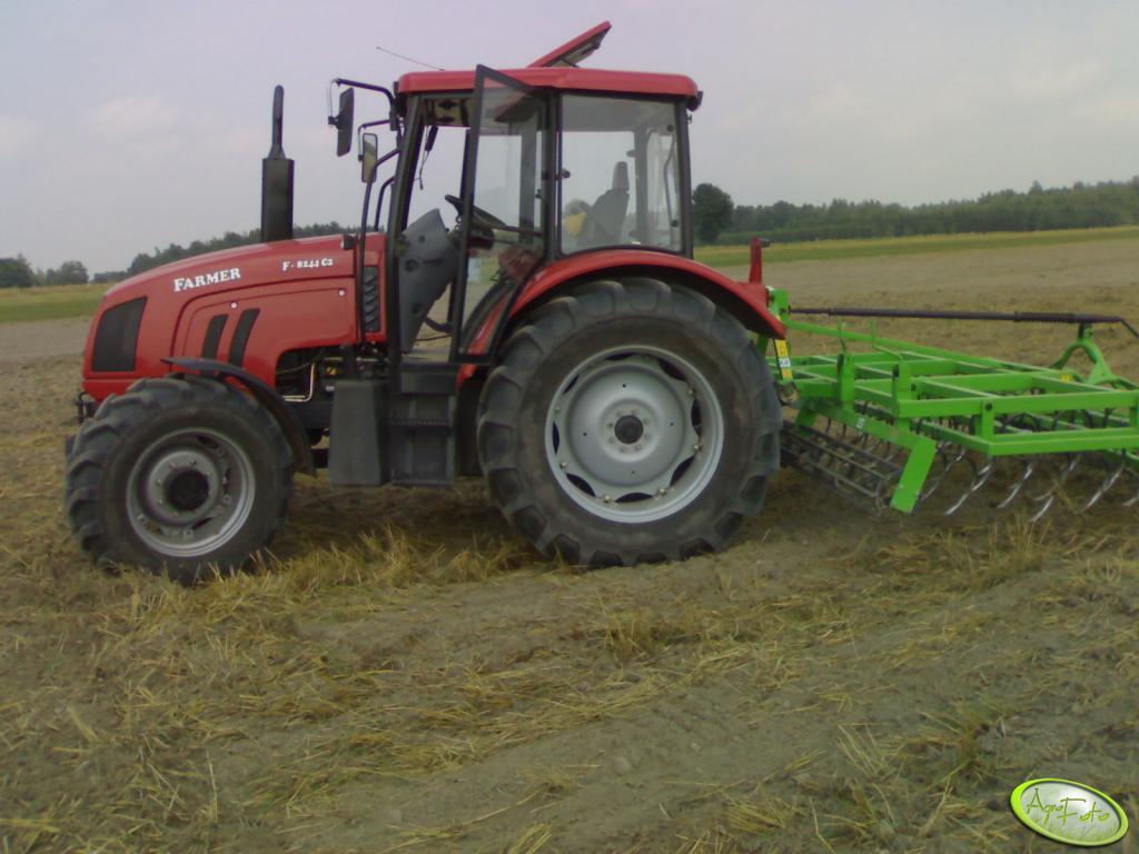Farmer 8244 + Bomet 3,2m