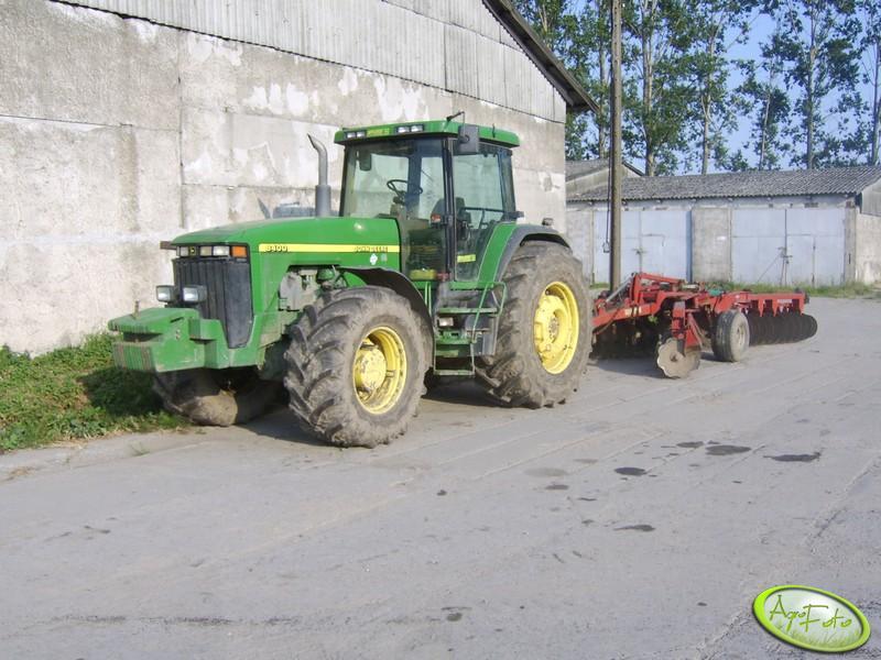 John Deere 8400 + Kverneland