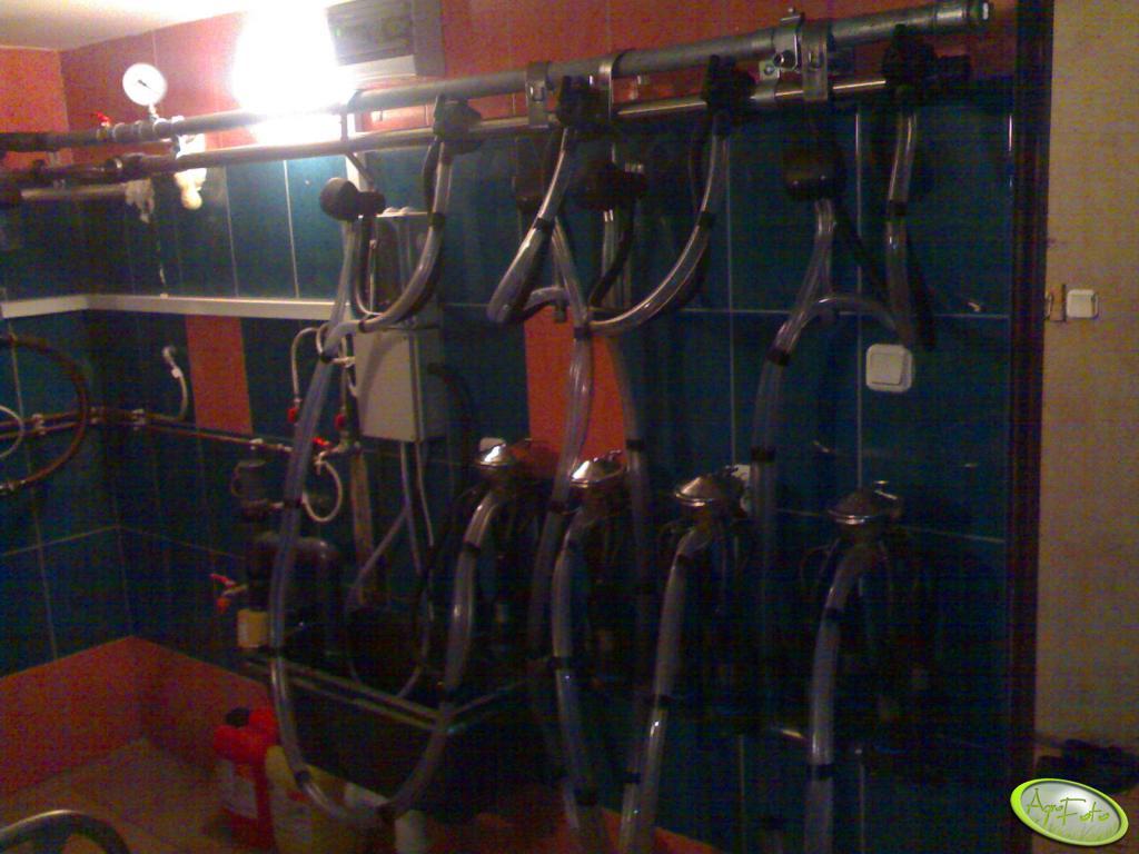 4 aparaty podczas mycia