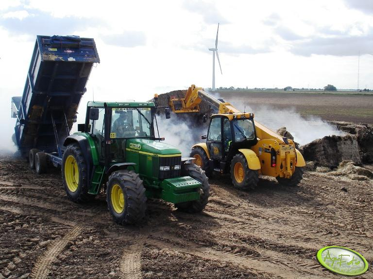 John Deere 6810 & JCB 530-70 Farm
