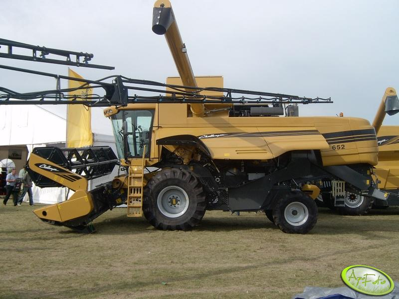 Challenger 652