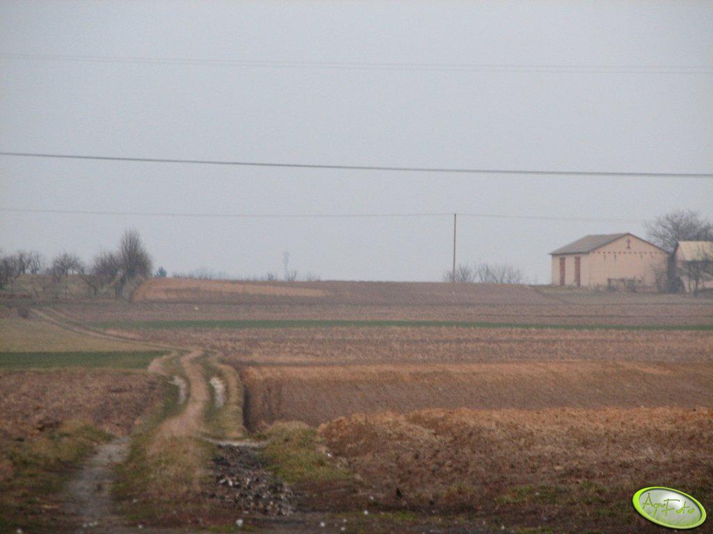 Pola za stodołą