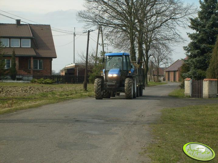New Holland + Rozrzutnik