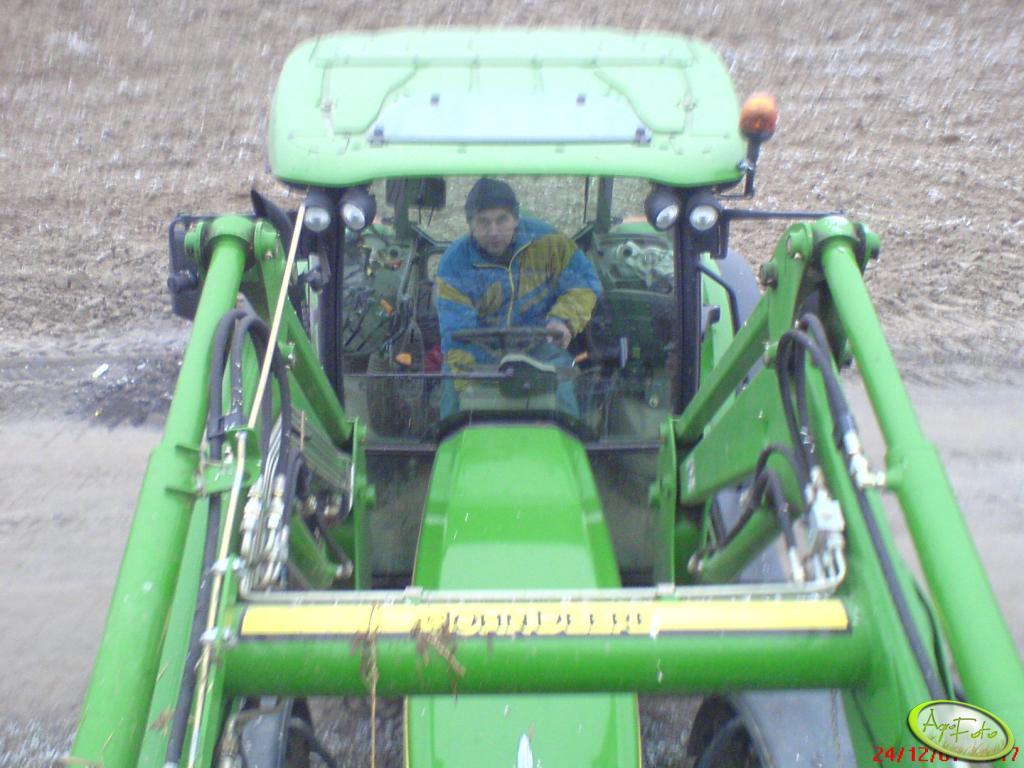 JD 5720 z ładowaczem