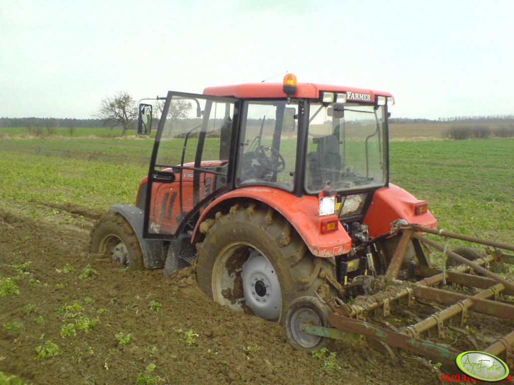 Farmer 8244 C2 + Kultywator