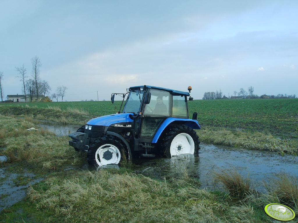 New Holland L65