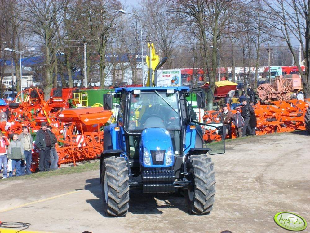 New Holland TL100A