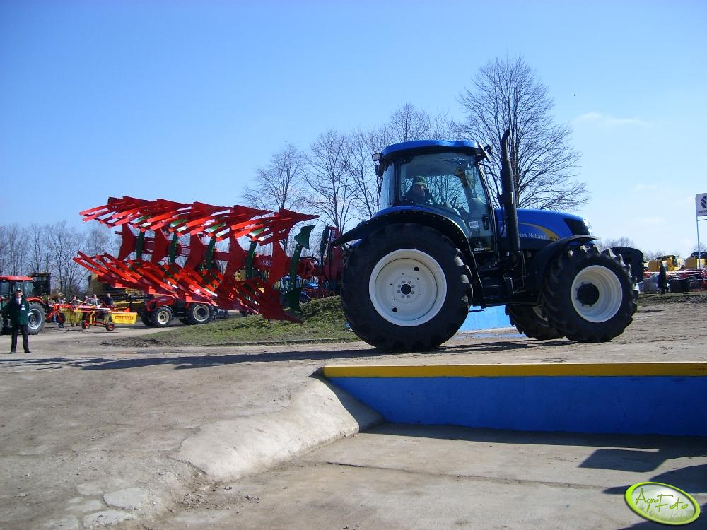 New Holland T6040