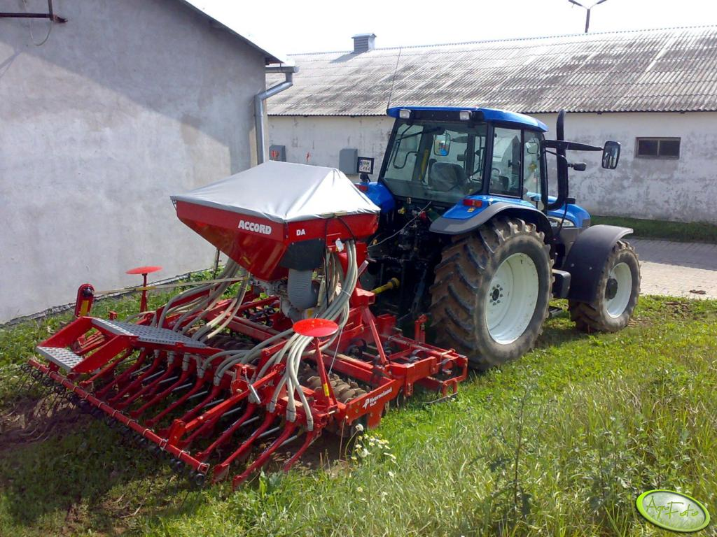 New Holland TM 130 + Kverneland Accord