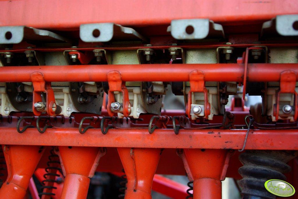 Kuhn Nodet Logiseme M3000 aparaty wysiewające