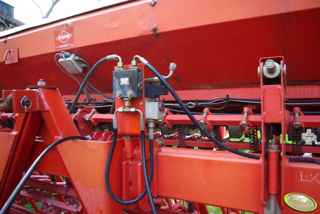 Kuhn Nodet Logiseme M3000 hydraulika