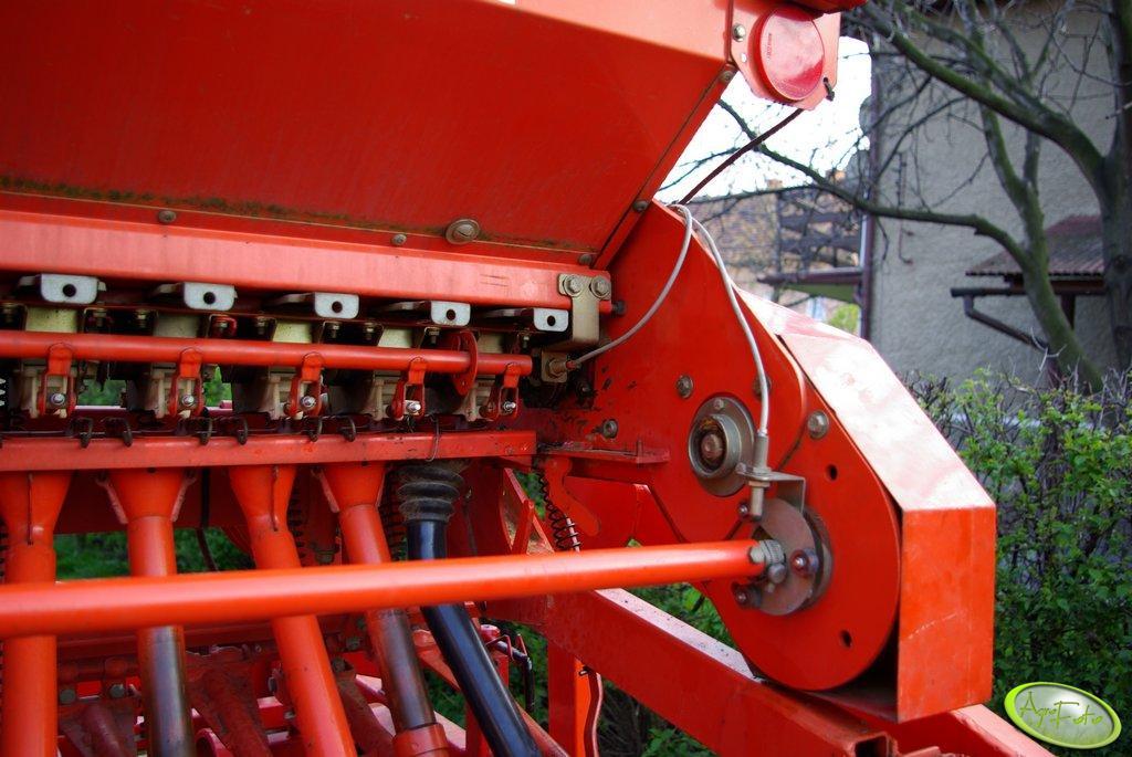 Kuhn Nodet Logiseme M3000 system kontroli pracy maszyny