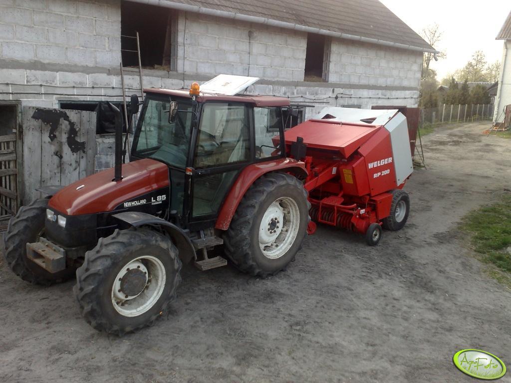 New Holland L85 + Welger RP200