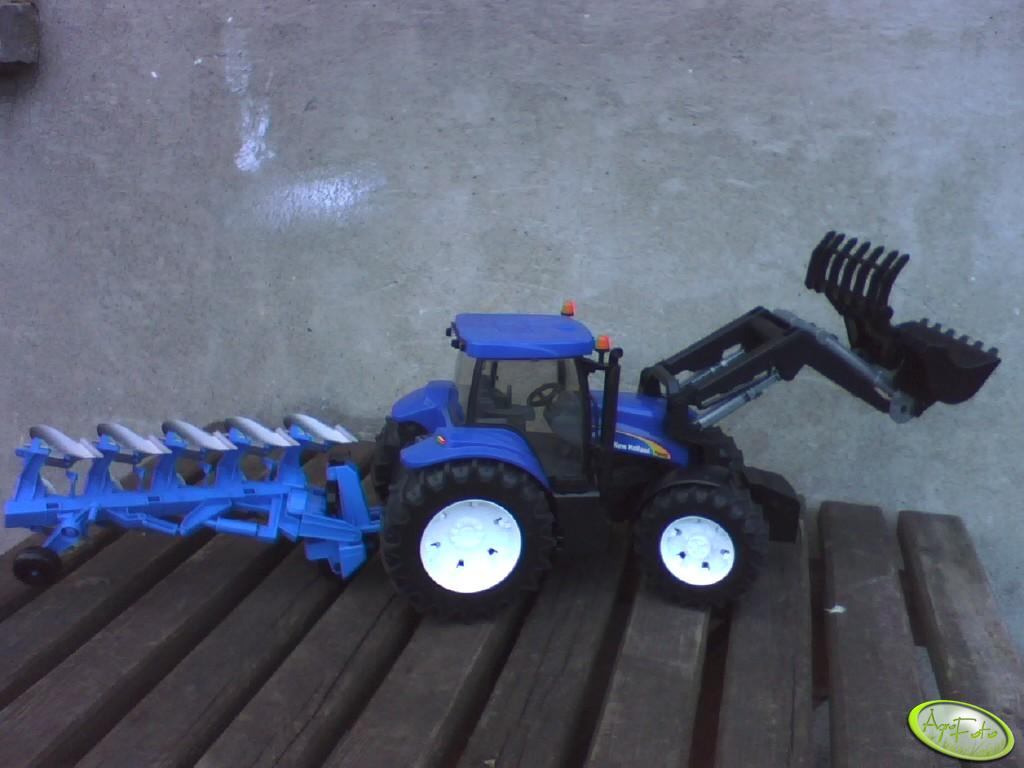New Holland T8040 +TUR