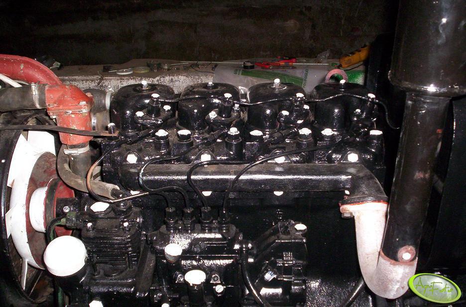 Ursus C-360 - silnik
