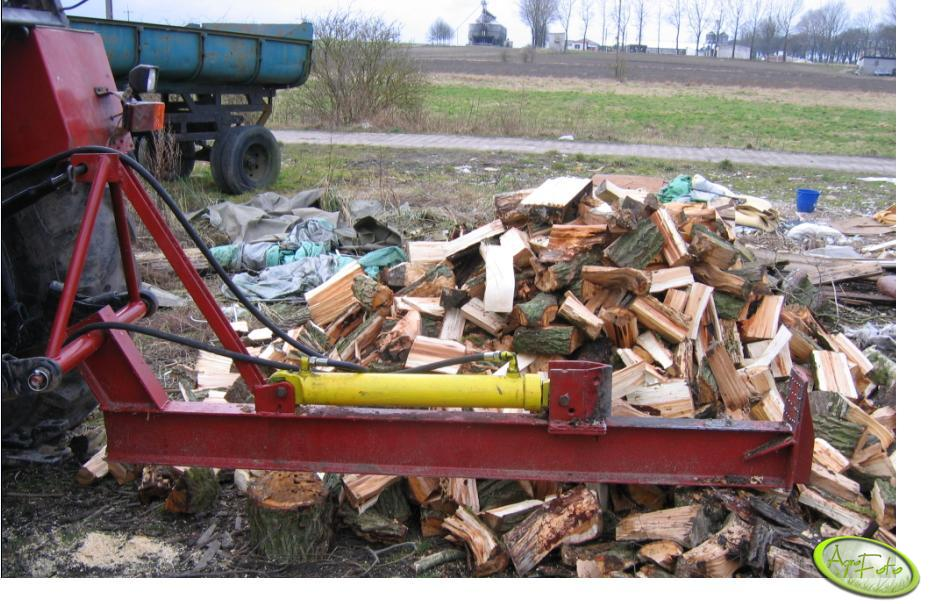 Maszyna do łupania drewna