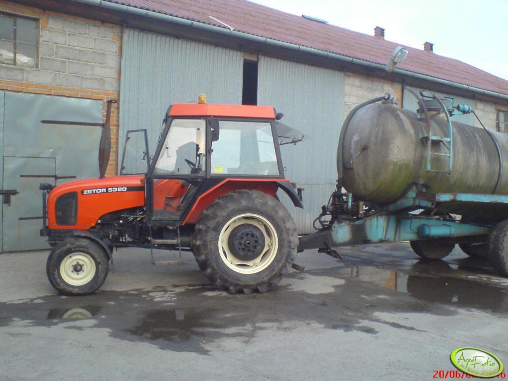 Zetor 5320 i Beczka asenizacyjna 10000l