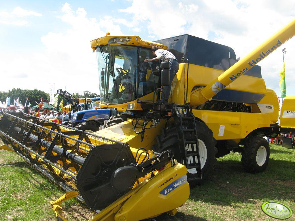 New Holland CS6080