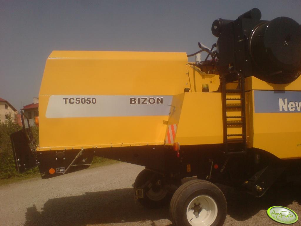 NH TC5050 Bizon
