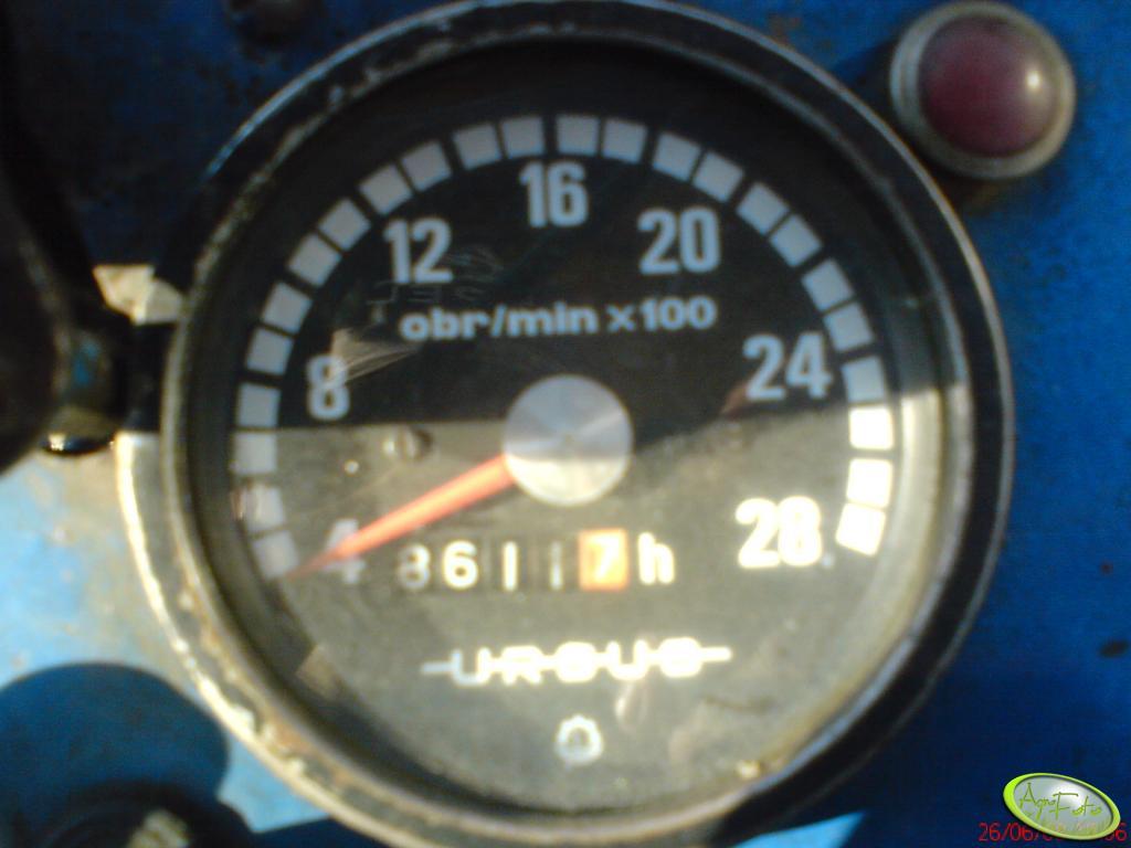 Ursus C-330 - zegar