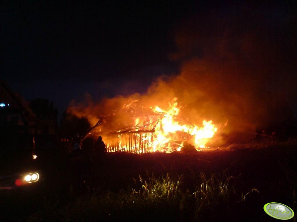 Pożar stodoły wypełnionej po brzegi