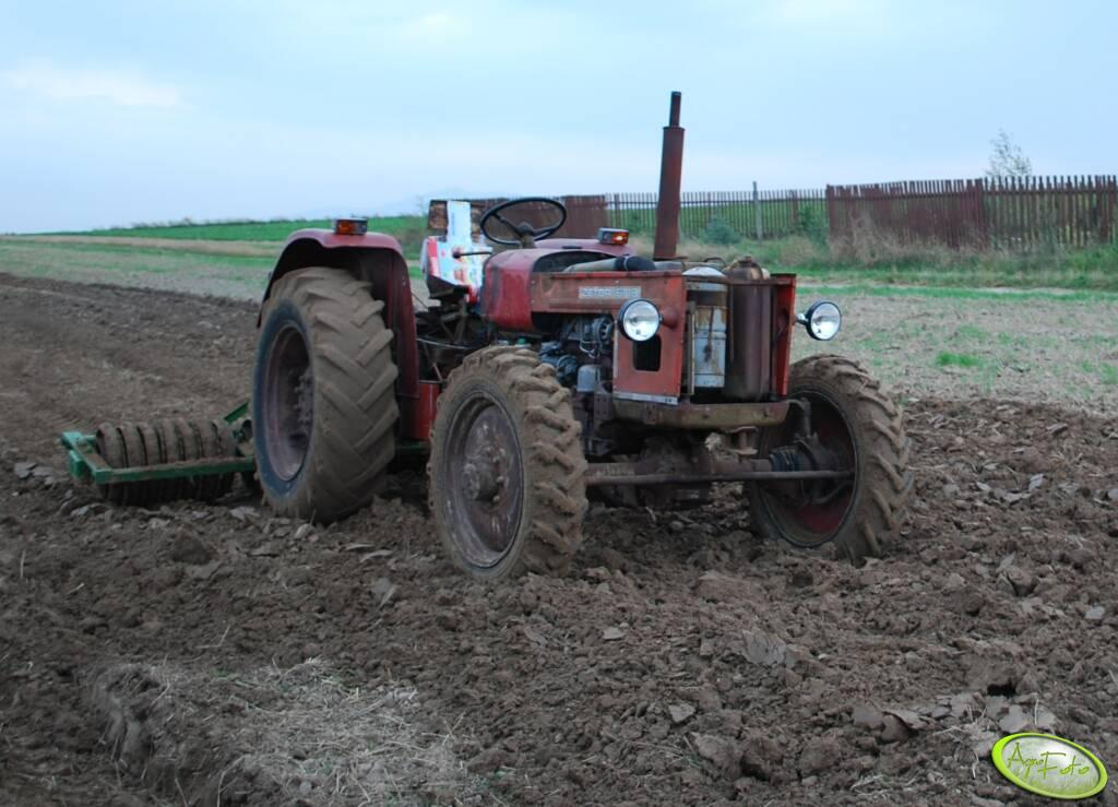 ZETOR 5545 + wał Cambridge 3m
