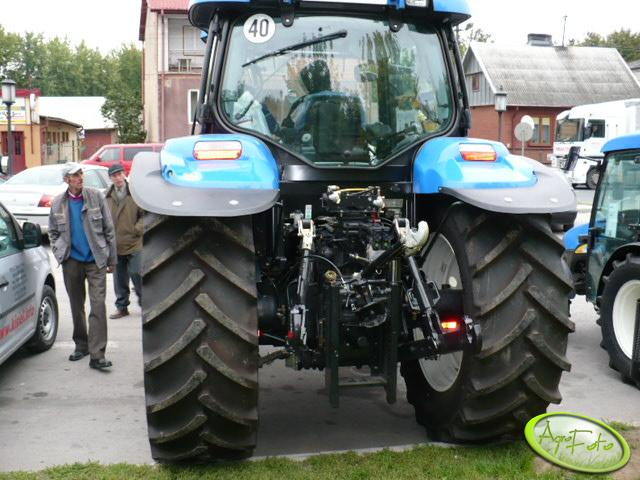 New Holland T6040 - tył