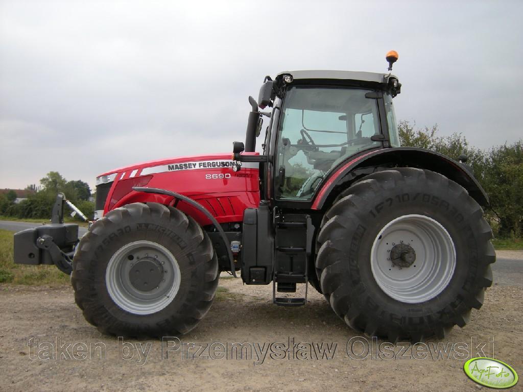 Massey Ferguson 8690 DynaVT