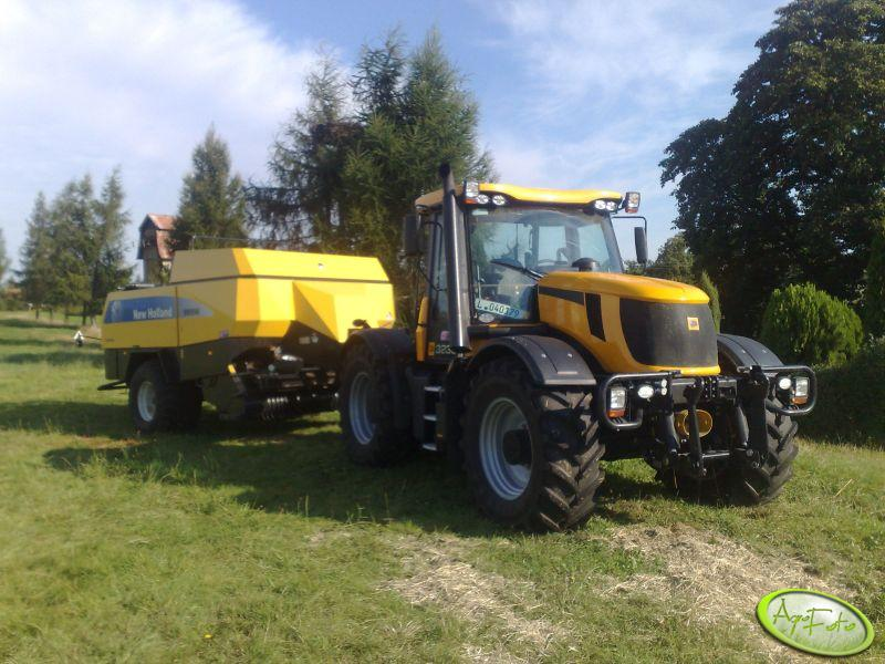 JCB Fastrac + New Holland
