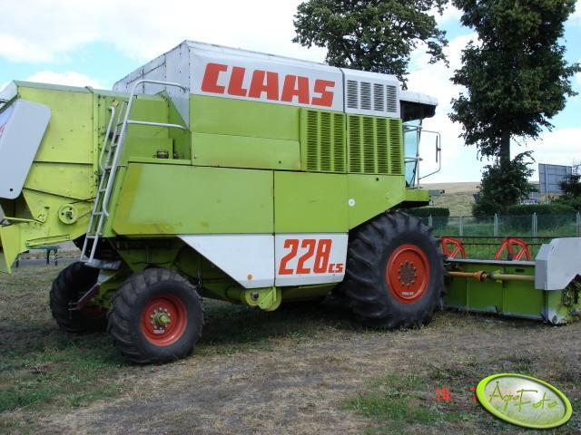 Claas Dominator 228