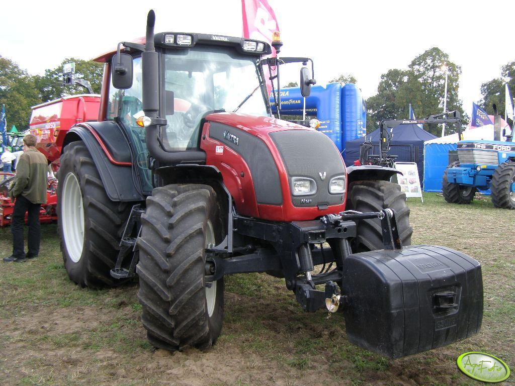 Valtra N141 HiTech