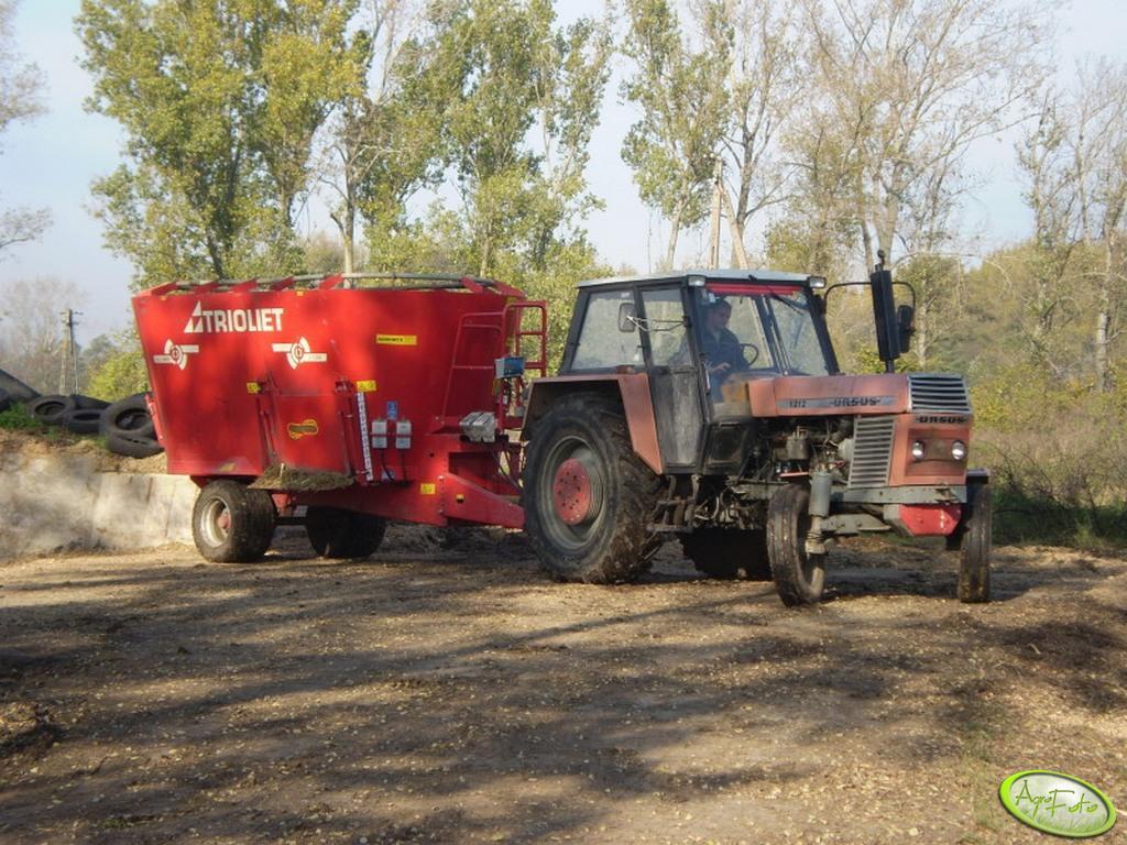 Ursus 1212 i wóz paszowy Triolet