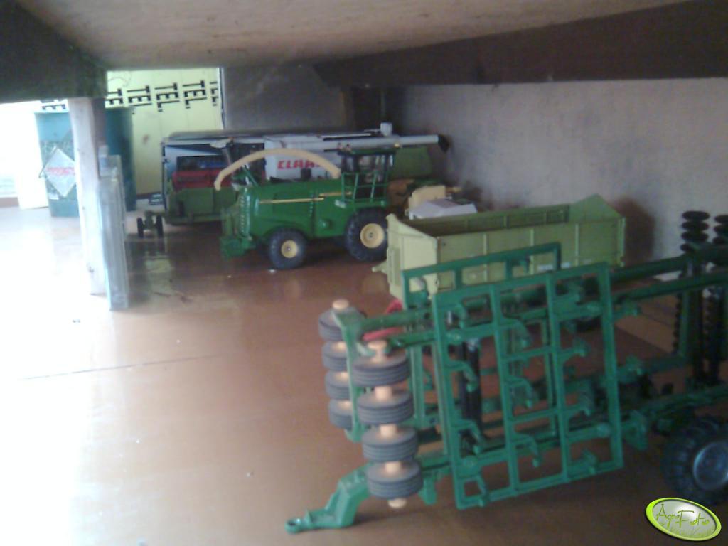 Garaż i jego zawartość