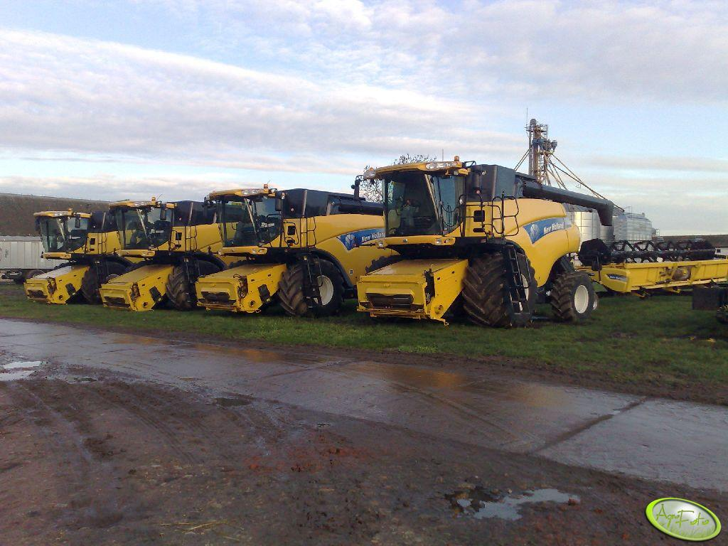 4x New Holland CX880