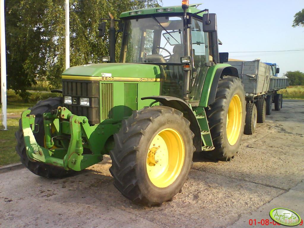 John-Deere 6600