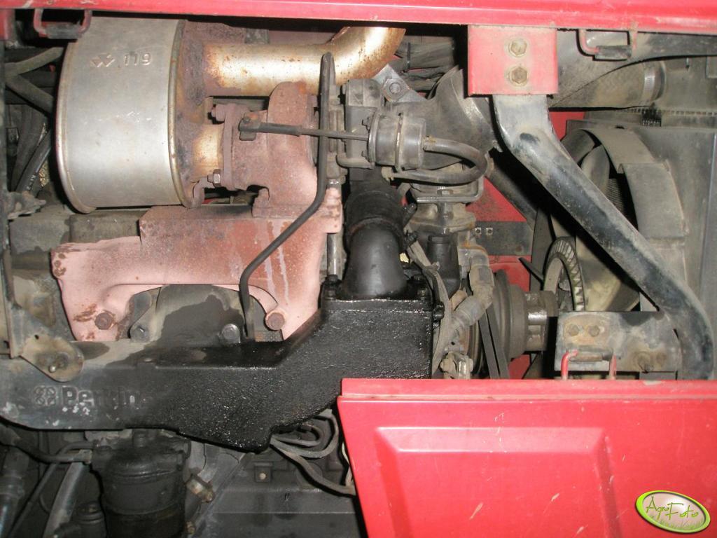 MF 6150 - silnik