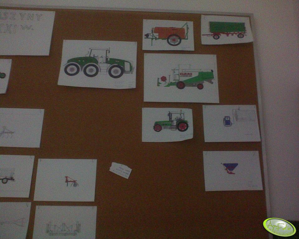 Wystawa prac w szkole