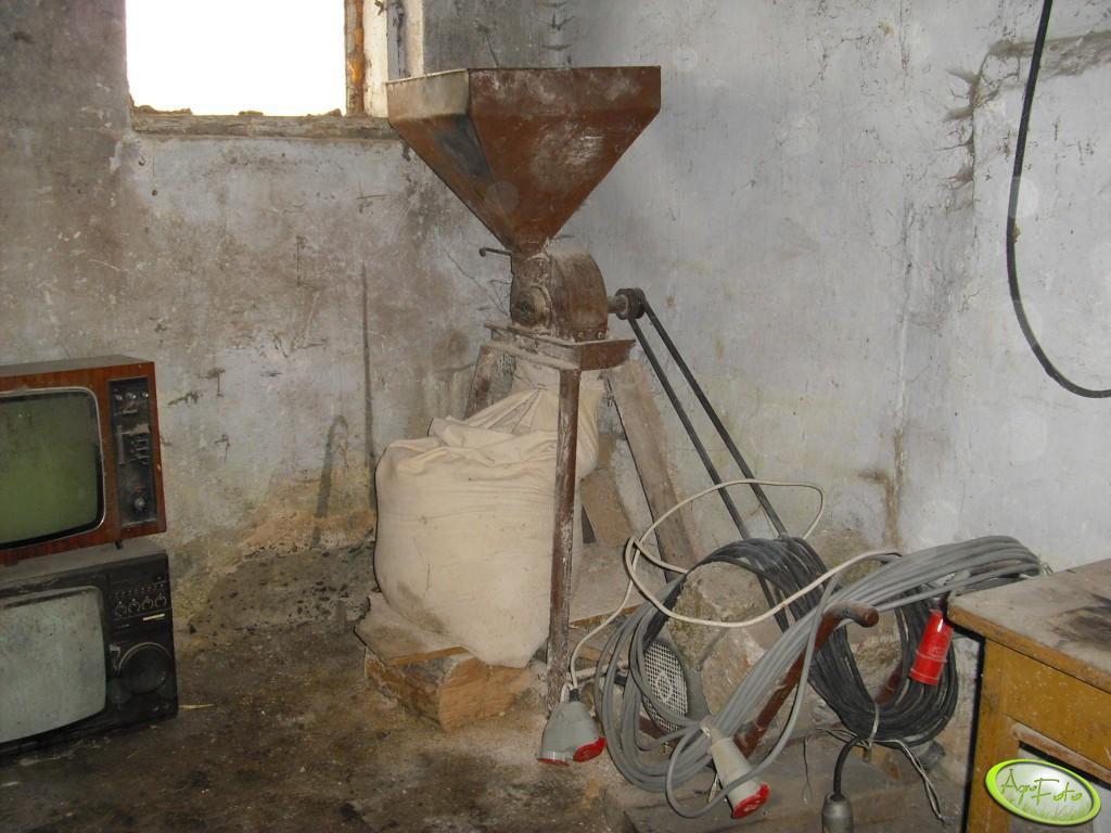 Śrutownik z silnikiem