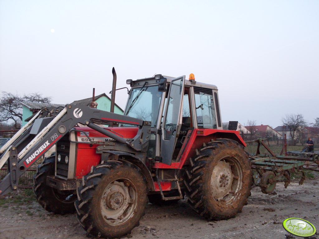 MF 698T