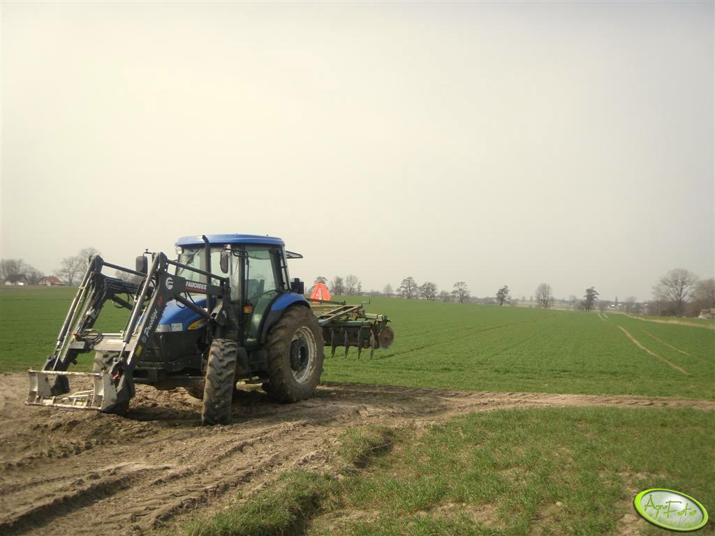 New Holland TD80D Plus + Talerzówka