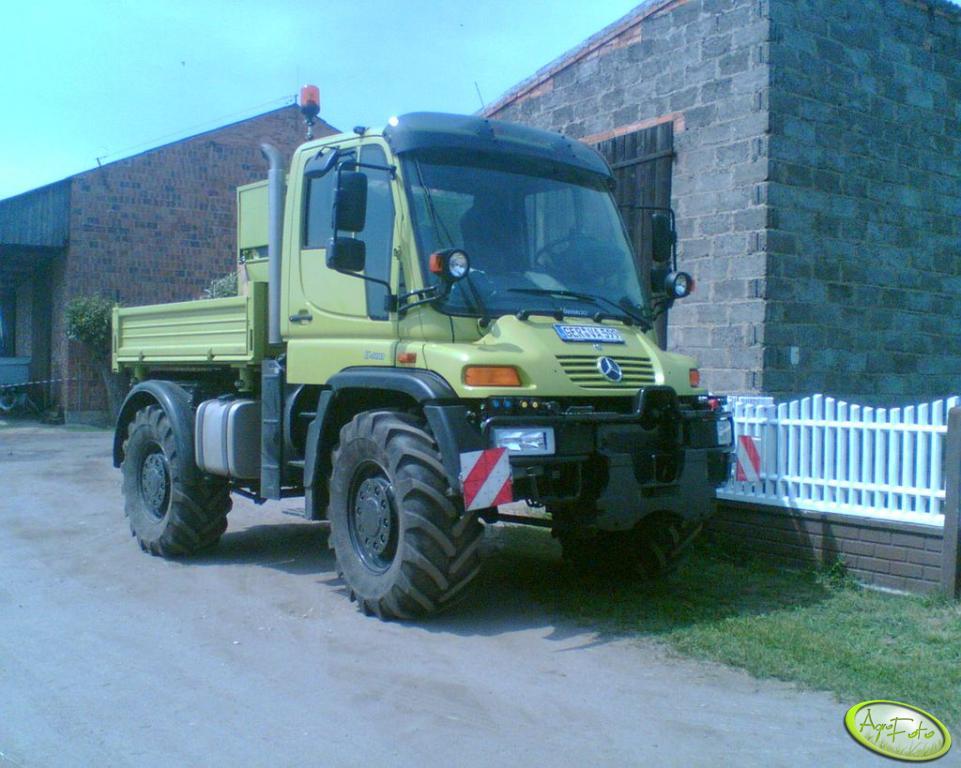 MB Unimog U400