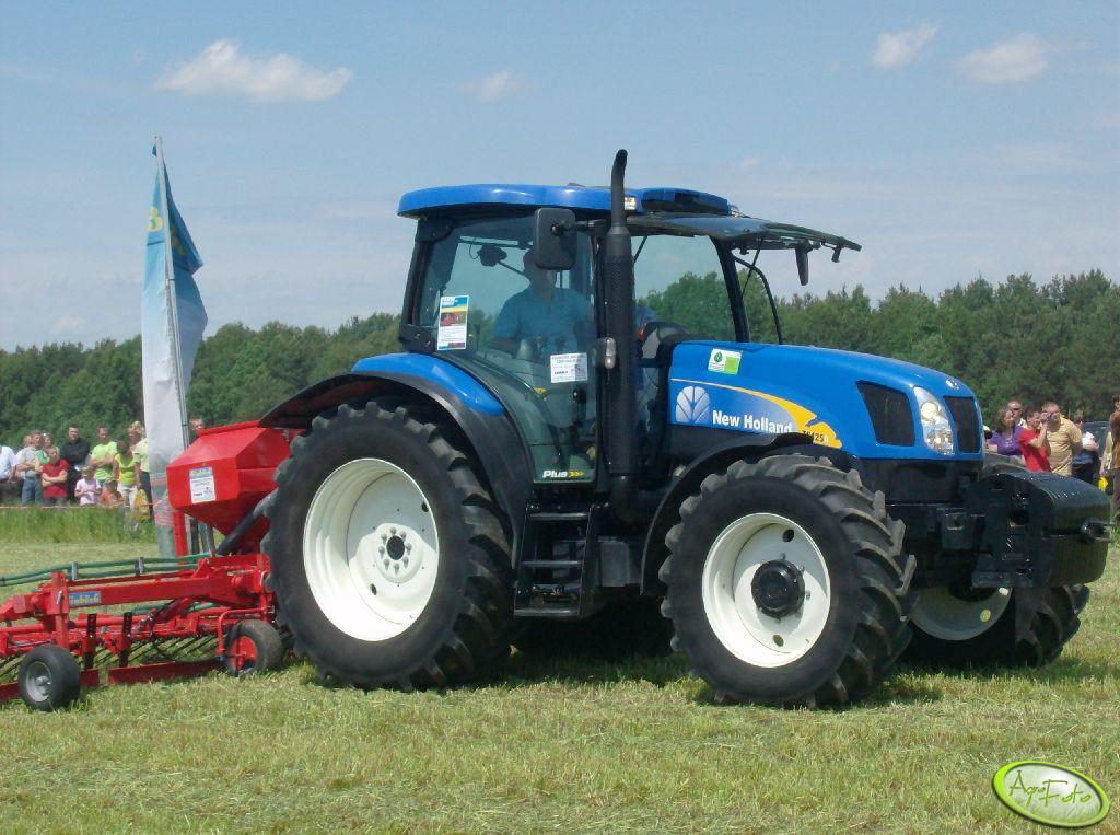 New Holland TS125