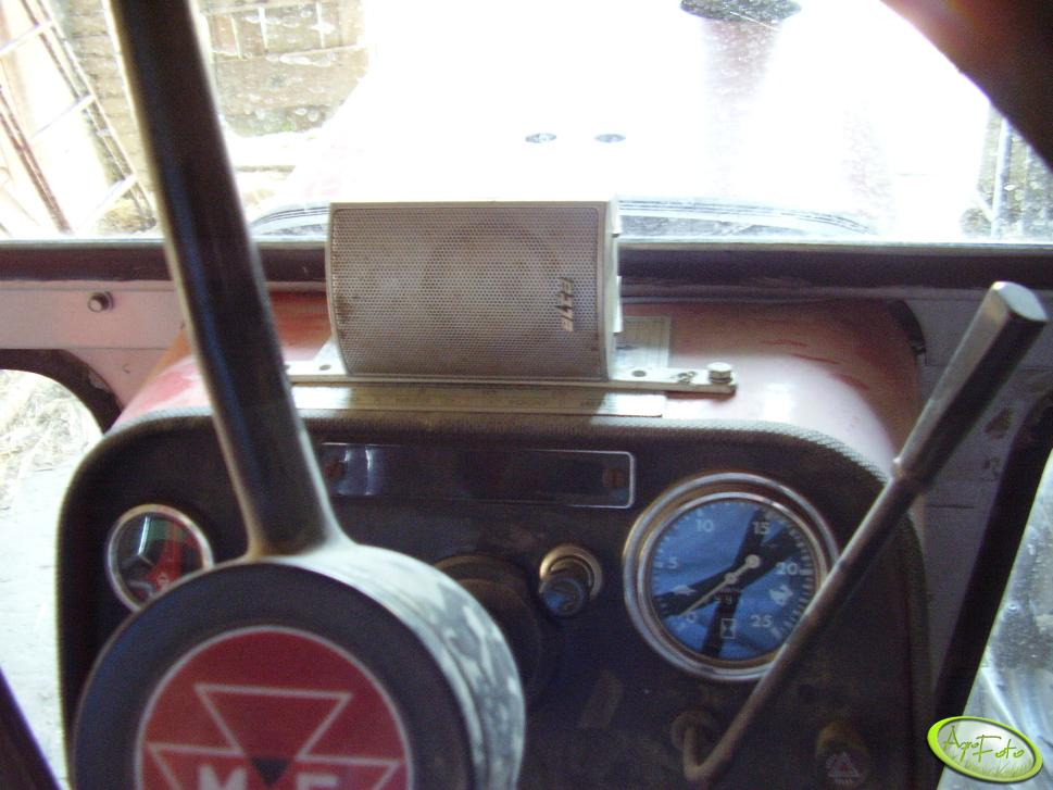 Radio w MF 565