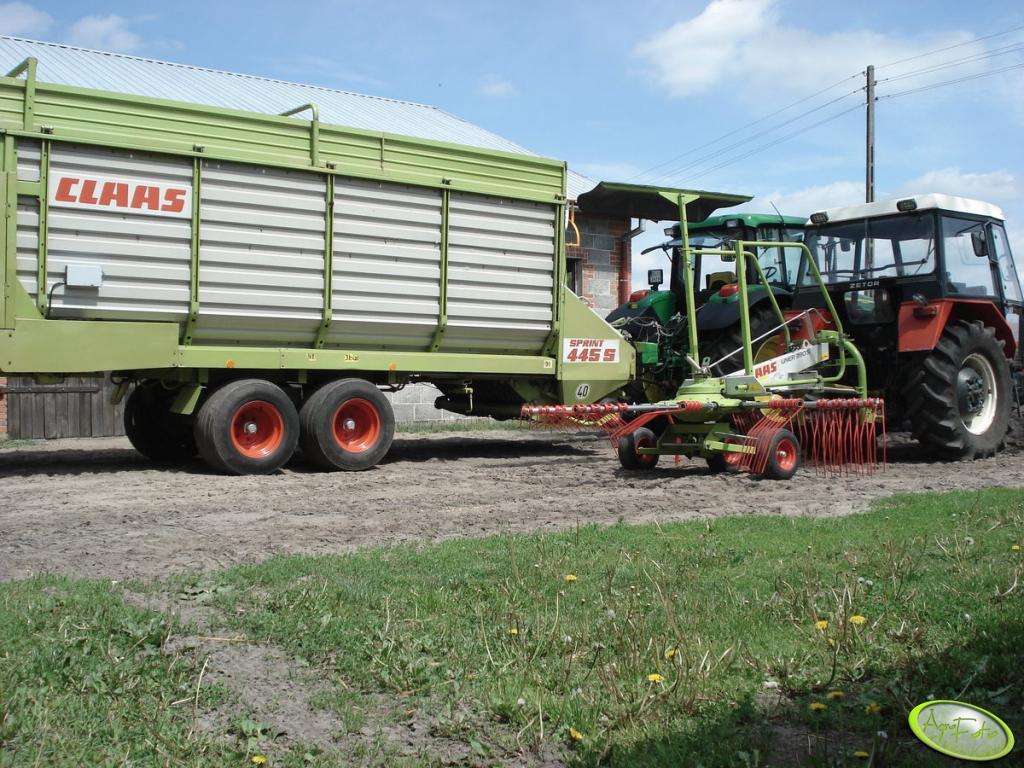 Claas Sprint 445S + John Deere 6620