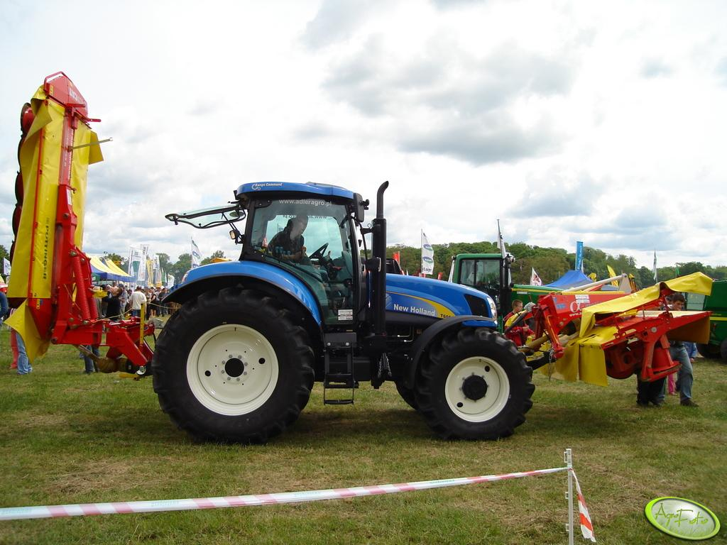 New Holland + zestaw kosiarek