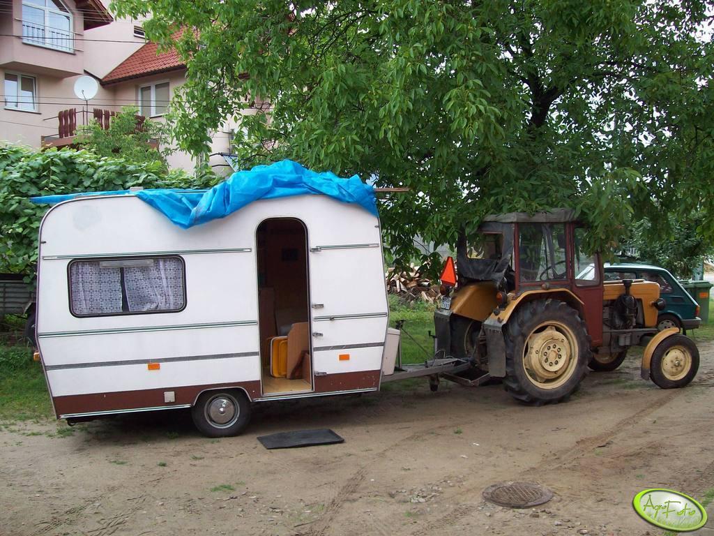 Ursus C-330 + przyczepa campingowa
