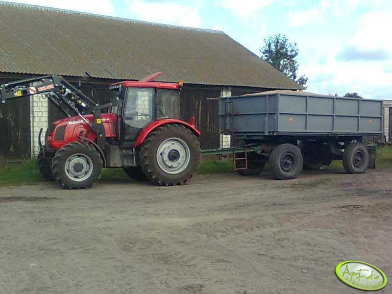 Farmer F-10244 C1 + przyczepa ze zbożem