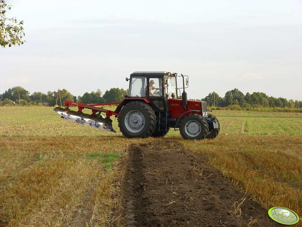 Belarus 820 + Agro Masz